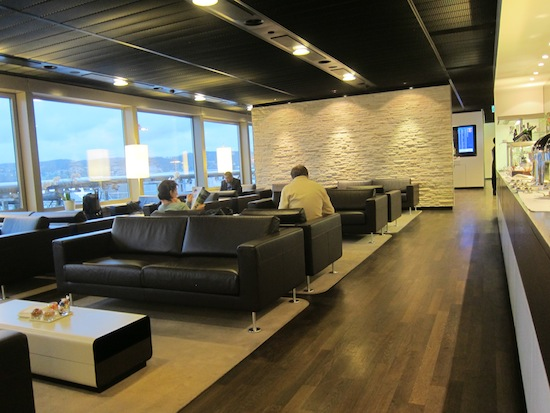Commercial Lounge